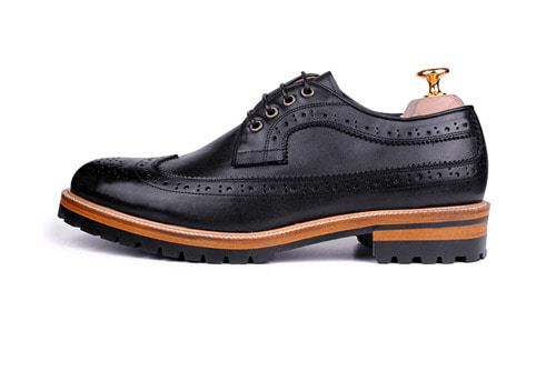 WINGTIP BLACK